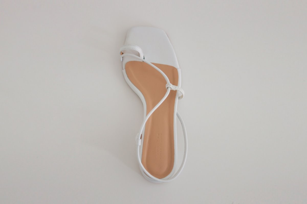 anthese rowen strap sandal, white (10% discount)