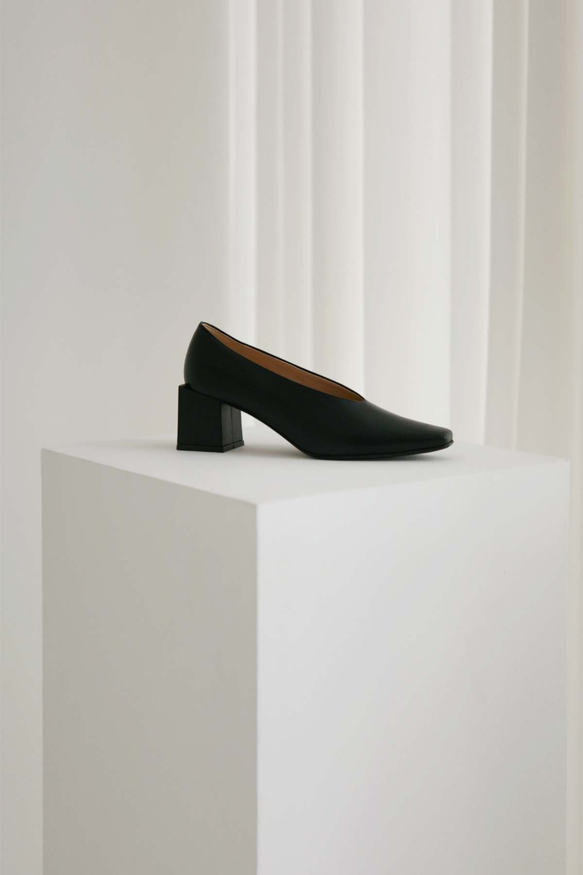 anthese venica square middle heel, black